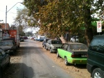 Autos chocados, ¿corral municipal de Maipú? Nooo... detrás de la piscina, camino a nuestro Mercado.
